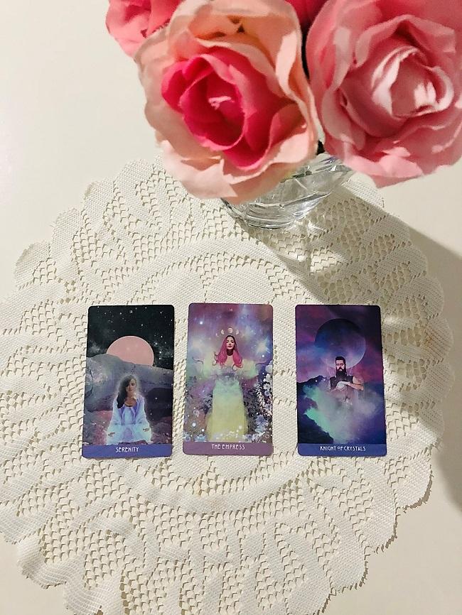 3 cards spread
